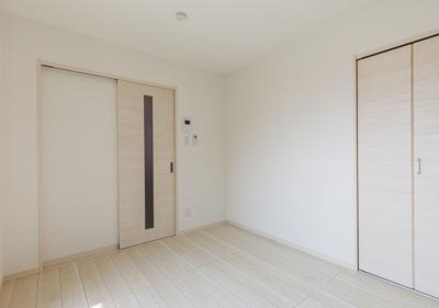 【洋室】築2年!最寄り駅約4分の一棟収益アパート