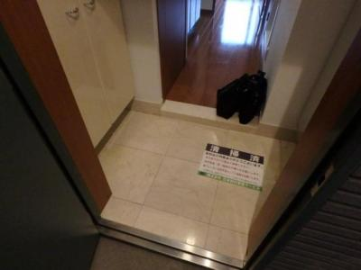 【玄関】パレステュディオ田町