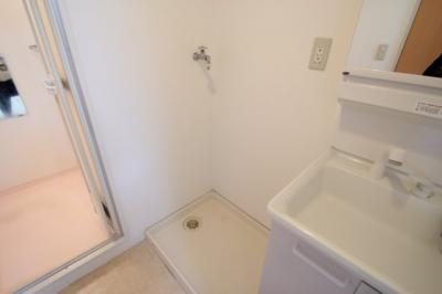 室内洗濯機置き場 ※同建物ほかのお部屋の写真です