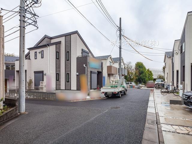 【前面道路含む現地写真】練馬区大泉学園町1丁目 全4棟 3号棟
