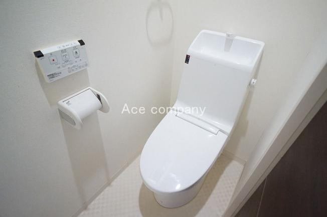 トイレは2階と3階の2ヶ所にあります♪共にシャワートイレです☆