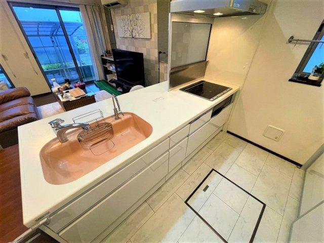 食洗器完備のカウンター付きオープンキッチンです:三郷新築ナビで検索♪