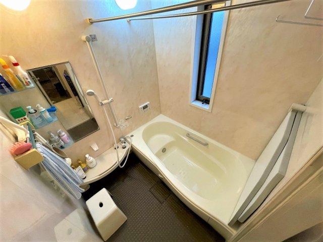 大きなドラム式洗濯機もすっきり納まるゆとりの広さ:三郷新築ナビで検索♪