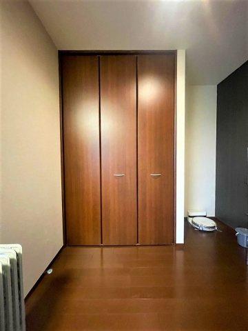 ゆとりの広さ10.1帖♪子供部屋とは廊下で区切られています:三郷新築ナビで検索♪
