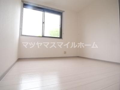 【洋室】サンビレッジ明美の里B棟