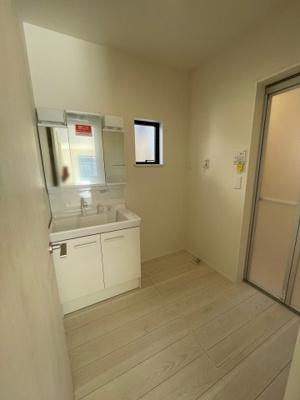 【前面道路含む現地写真】加須市久下3丁目 新築一戸建て 2/2