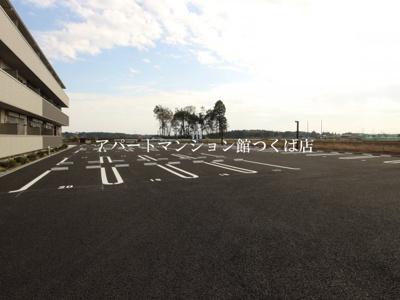 【駐車場】ラウレアコート