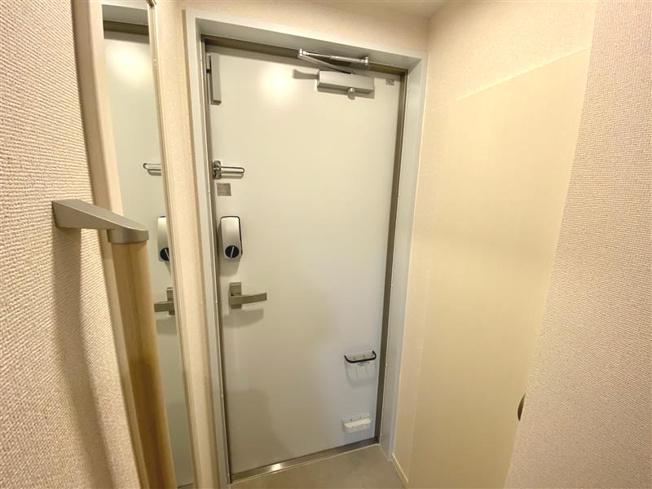 【玄関】クレイノコルノ