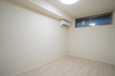洋室にもエアコン付いてます☆