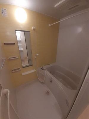 【浴室】ア・ラ・モード ヴィラ B