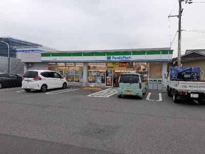 ファミリーマート川之江妻鳥店様まで1000m