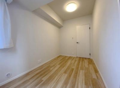 「ジェイパーク王子神谷ツインステート」の洋室です。
