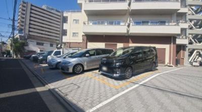 古河松原マンションの駐車場です。
