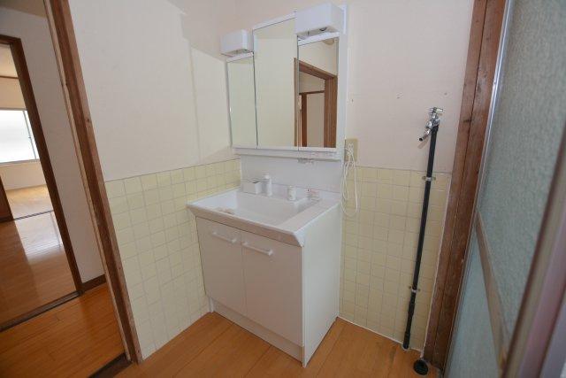 【独立洗面台】夏吉戸建て