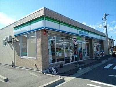 ファミリーマート 黒部立野東店まで900m
