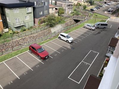 屋外駐車場確保済み♪