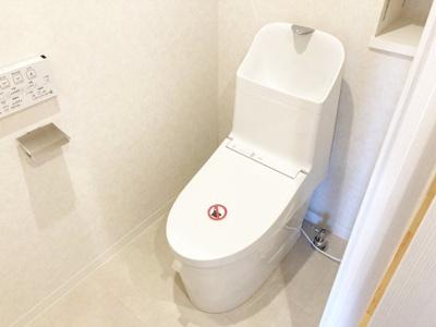新品交換済みの棚付きシャワートイレ♪
