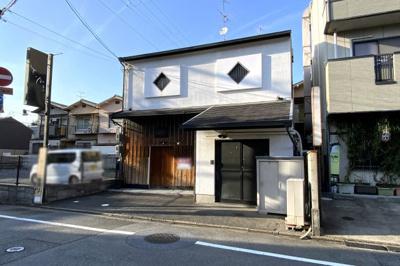 近鉄『伏見駅』徒歩2分という便利な立地!京阪『墨染駅』や地下鉄『竹田駅』にもアクセス可能です。