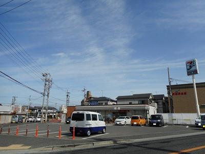 セブンイレブン江井島駅前店まで850m