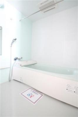 広めのお風呂が魅力的
