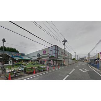 ホームセンター「ホームセンターカンセキ駅東店まで112m」