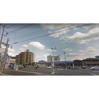 コンビニ「ローソン宇都宮石井町内野店まで42m」