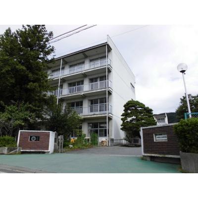 中学校「長野市立北部中学校まで811m」