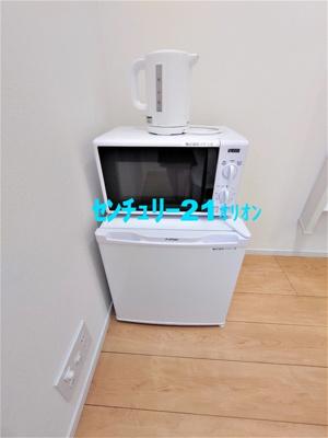 備え付け家具(レンジ・冷蔵庫・ポット)