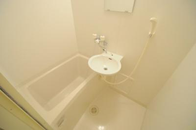 【浴室】レオパレスインター