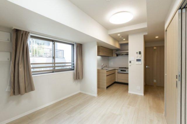 角部屋のため、リビングにも光がしっかりと差し込み、風通しも良いお部屋となっています。