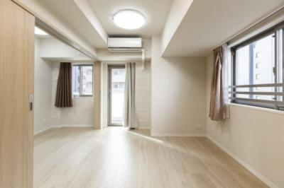 2面採光で明るい室内です。室内も大変きれいにお使いです。