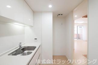 【キッチン】サンマークスだいにちルナタワーレジデンスD棟