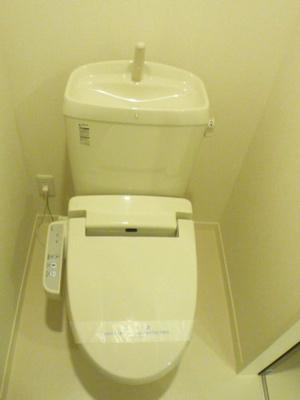 トイレは温水洗浄便座♪