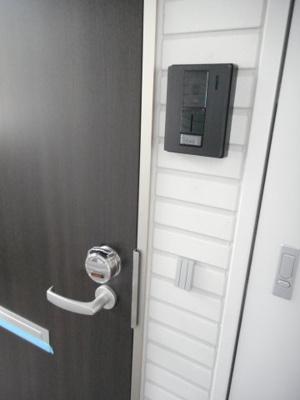 【玄関】ライラ