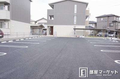 【駐車場】サンレスト B棟