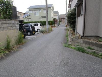 【前面道路含む現地写真】関南町中古住宅
