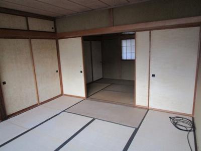 【居間・リビング】関南町中古住宅