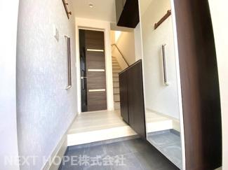 玄関から廊下部分です♪平成30年10月建築の築浅物件です(^^)ぜひ現地をご覧ください♪お気軽にネクストホープ不動産販売までお問い合わせを!!