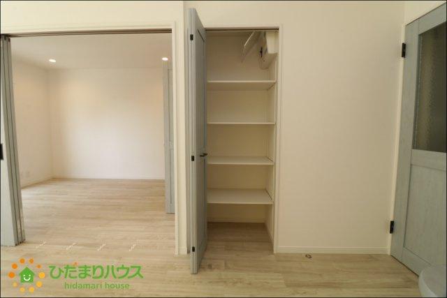 LDKに収納がございますのでお部屋がすっきり片付きます。