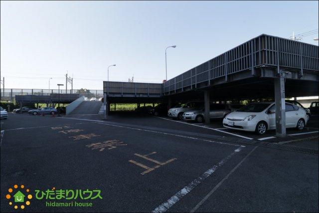 大型の駐車場を完備しております。