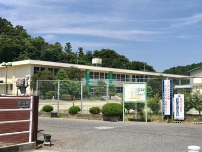 石巻市立二俣小学校まで705m