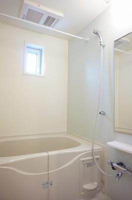 【浴室】ネオ レジデンスⅢ