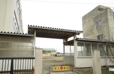 東松島市立大曲小学校まで600m