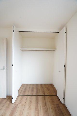【同仕様施工例】2階6.75帖 使い勝手のよいシンプルなクローゼットです。