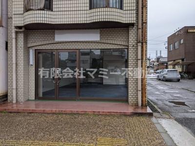 【エントランス】西新地1号線沿店舗