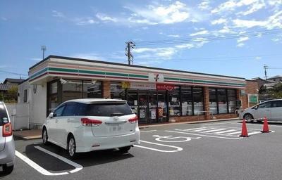 セブンイレブン小倉篠崎2丁目店まで700m