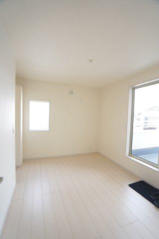 【同仕様施工例】2階 WICがあるお部屋です。