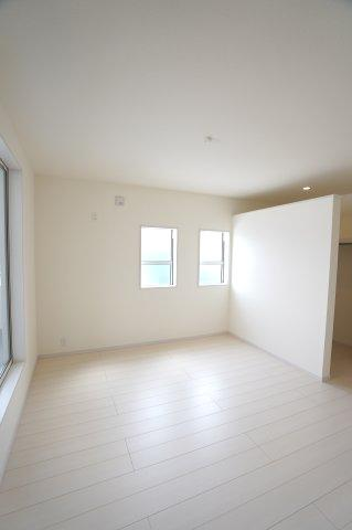【同仕様施工例】2階 WICがあるお部屋です。大容量の収納はいくつあっても嬉しいものですね。