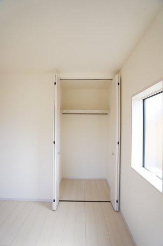【同仕様施工例】2階 使い勝手のよいシンプルなクローゼットです。