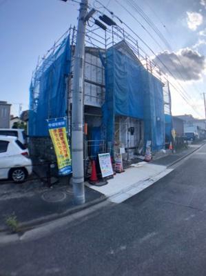 【前面道路含む現地写真】足立区大谷田5丁目新築戸建て